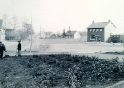 Kerkplein-Kronenberg-begin-jaren-zestig